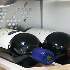 conseiller cave vin climatis armoires pour vins boutique en ligne fust pour lectronique. Black Bedroom Furniture Sets. Home Design Ideas