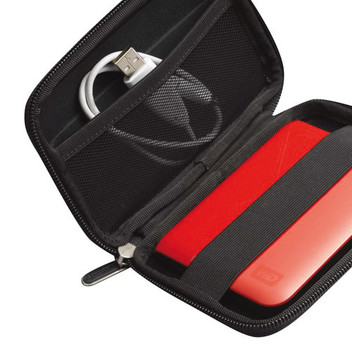 Elements Portable 1TB Harddisk e Case-Logic Harddisk Case