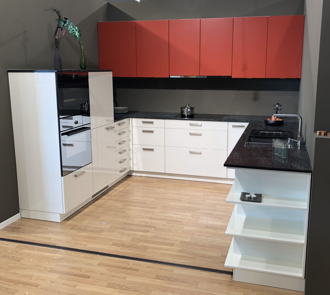 largo fg classic fs ausstellungsschn ppchen k che. Black Bedroom Furniture Sets. Home Design Ideas